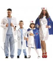 DISFRACES EN GRUPO DE MEDICOS Y ENFERMERAS